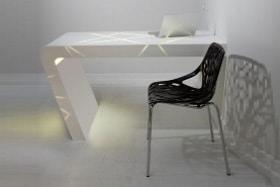 שולחן עבודה מקוריאן מעוצב בהתאמה