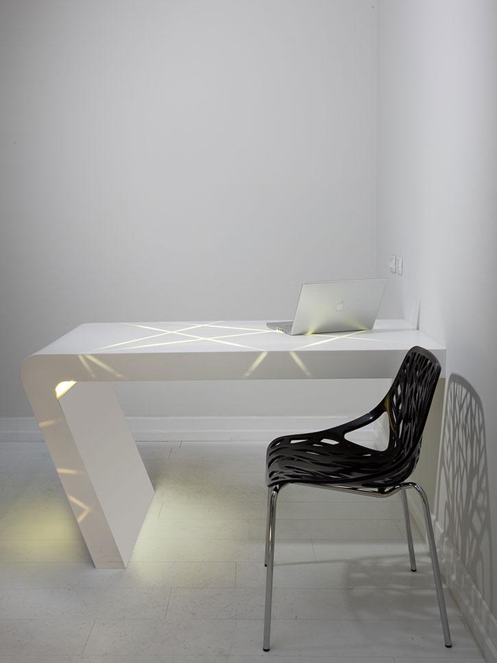 שולחן עבודה מעוצב אישית עשוי קוריאן