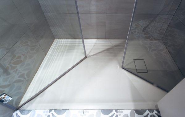 אגנית קוריאן בהתקנה מושלמת כהמשך ריצוף חדר רחצה