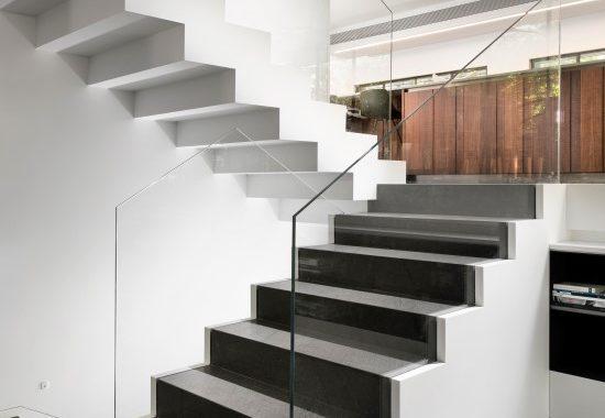 מדרגות מקוריאן יוקרתיות